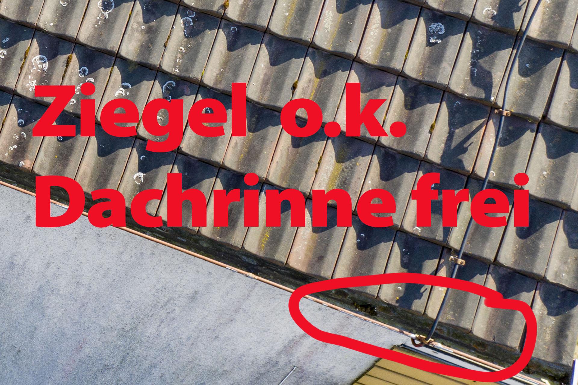 Dachrinnenkontrolle mit Luftaufnahme durch Drohne