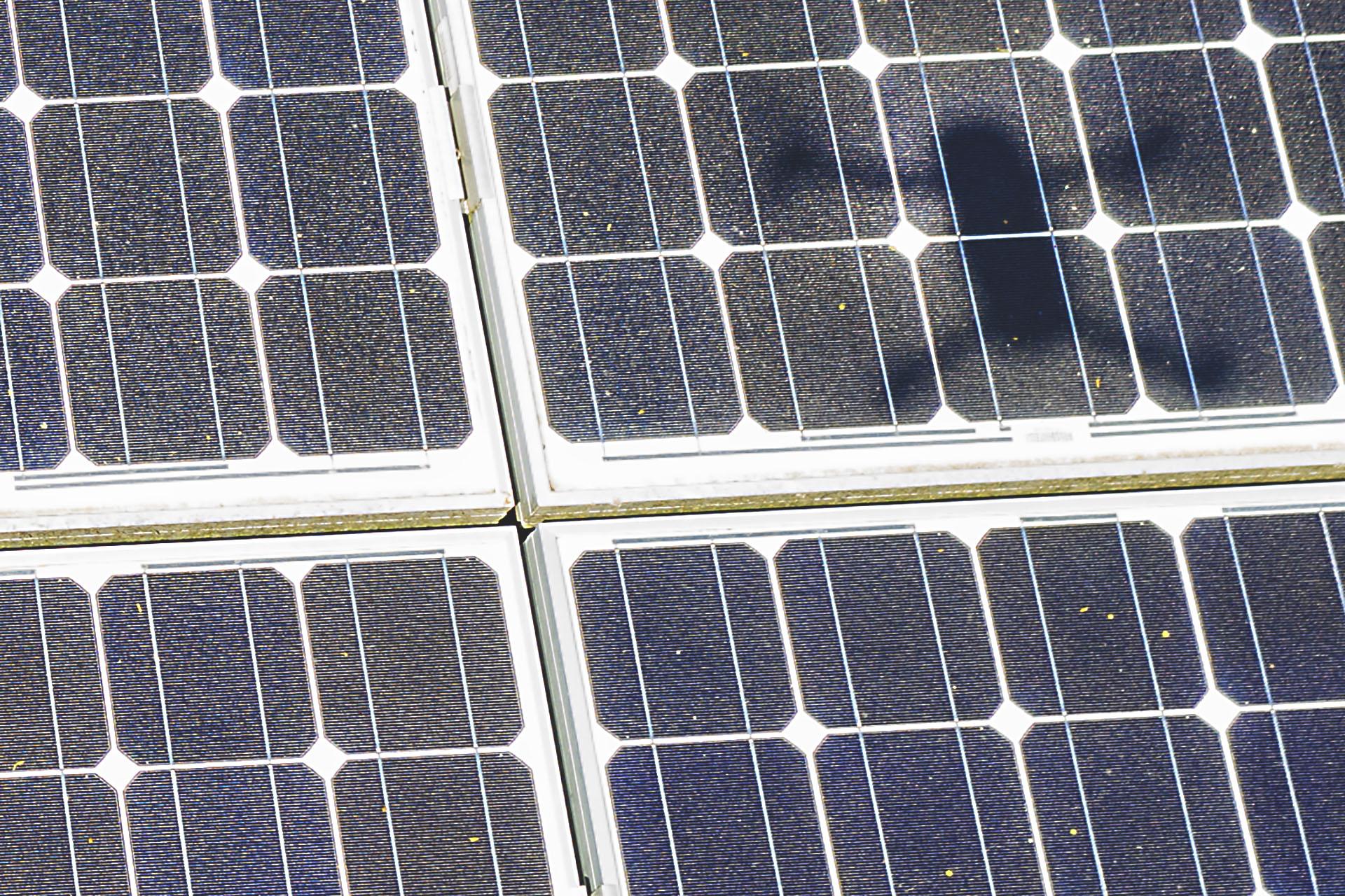 Luftaufnahmen von Solarplatten